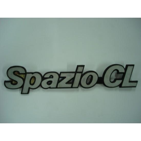 Emblema Spazio-Cl Plástico